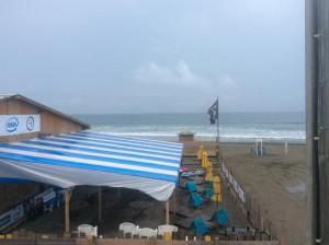 由比ヶ浜150820-w560
